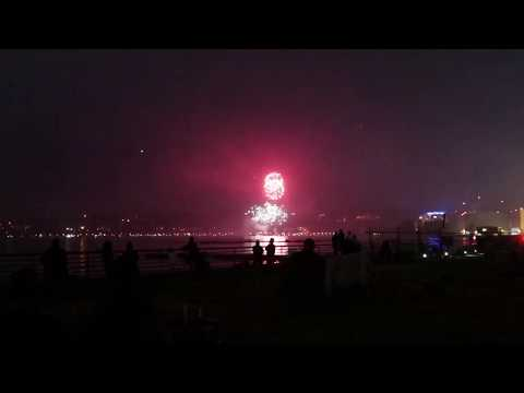 FIREWORKS AT SEAPLANE SCENICS WILEY POST IN RENTON 4TH OF JULY 2018
