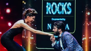 Fawad Khan impresses Deepika Padukone at IIFA Awards
