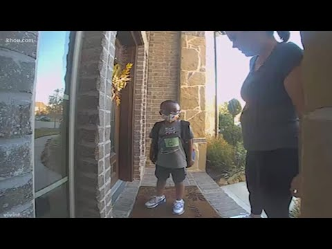 Mystery Woman Returns Boy to His Family After He Gets Off At The Wrong Bus Stop