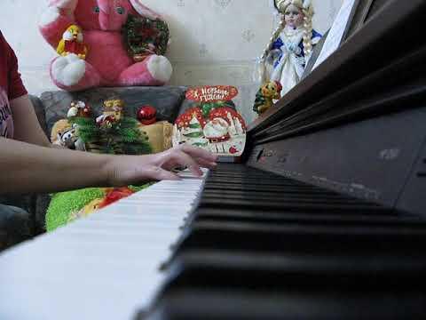 Стихи Зинаиды Александровой. Музыка Михаила Красева. Маленькой ёлочке холодно зимой.
