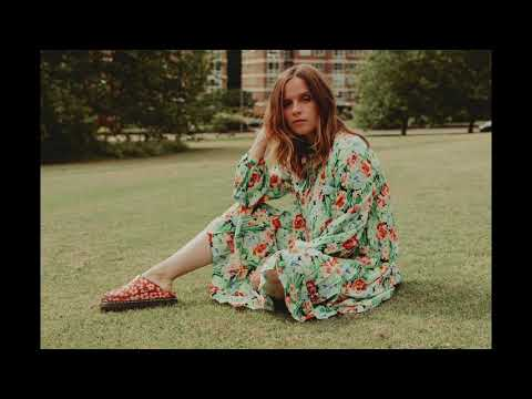 Gabrielle Aplin – Magic
