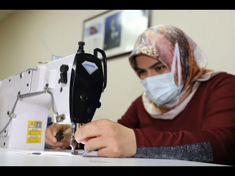 Kadınlar el emeği göz nuruyla ev ekonomisine katkı sağlıyor
