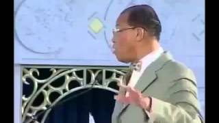 FARRAKHAN Talks About DEBT, WAR, MONEY And The U.S Dollar Being Worthless!