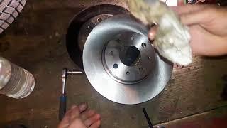 видео Замена передних тормозных колодок Фиат Альбеа