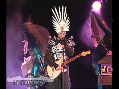 Presentación  Empire of the Sun en el Vive Latino 2010  Standing On The Shore