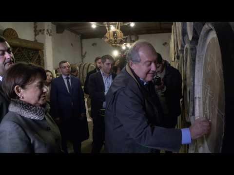 Արմեն Սարգսյանն այցելել է Իջևանի գինու, կոնյակի գործարան