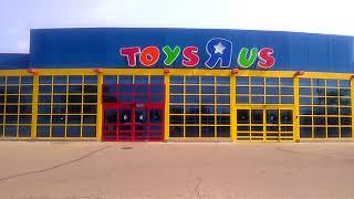 Goodbye Geoffrey The Giraffe/last Days Of Toys R Us