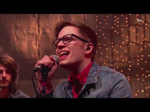 Gym Clas Heroes - Billionaire (feat. Patrick Stump) (Live) 2012