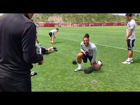 Quincy Amarikwa plants a fake snake at training, terrifies teammates