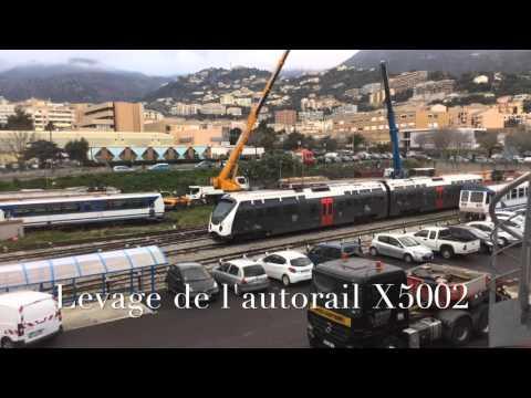 Levage des X5000 et X2000 des Chemins de Fer de la Corse