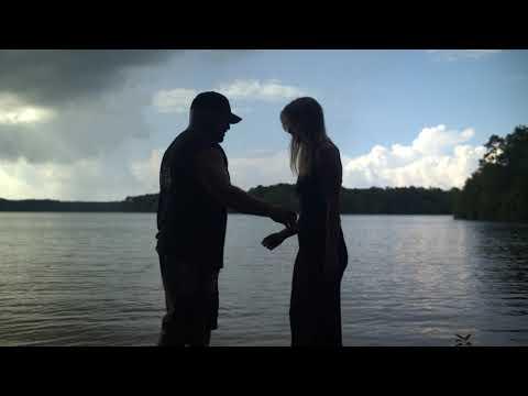 Смотреть клип Charlie Farley - Loving All Summer Long