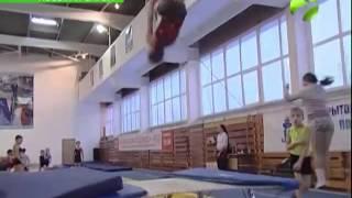 Прыжки на батуте набирают популярность в Новом Уренгое(, 2014-11-18T09:07:11.000Z)