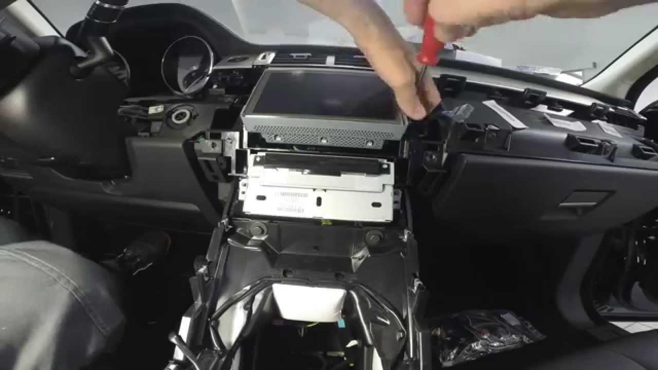 Range Rover Evoque Smontaggio Radio Dvd E Monitor Touch