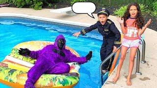 ضابط شرطة يساعد  عملاق غوريلا !Heidi و Zidane