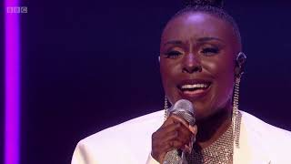 Laura Mvula - Church Girl [Live on Graham Norton]
