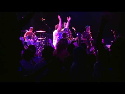 Iration- Falling live @ the Roxy (in HD)