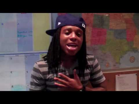 Jacquees singing  Do You  by Ne-Yo