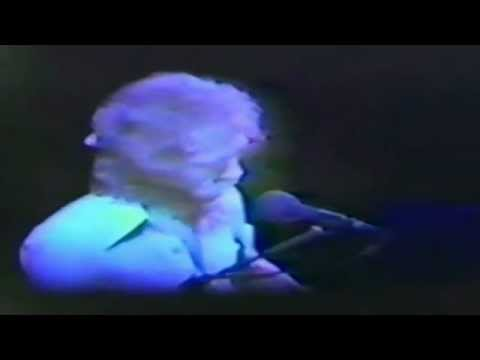 Warren Zevon - Roland The Headless Thompson Gunner - Live in Houston, 1985 - Part 1/4
