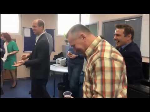 Серия 750. Поздравляем с Днём Рождения коллегу, специалиста по мотивации Кормщикову Алену!