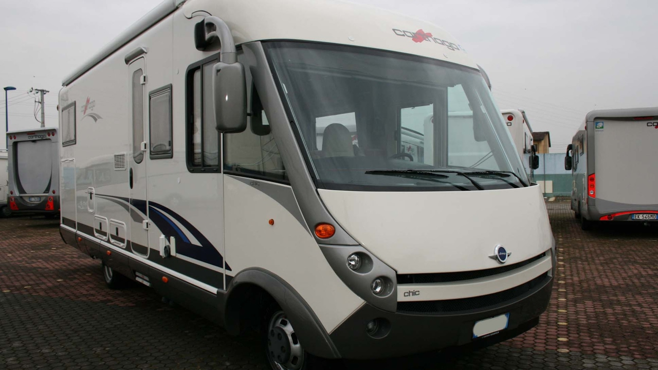 Carthago chic s plus i 51 motorhome usato del 2008 youtube for Carthago usato