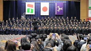 卒業生が自作の歌を披露 西宮・甲陵中学