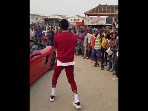"D'Banj Dancing Shaku Shaku To His Song ""ISSA BANGER"""