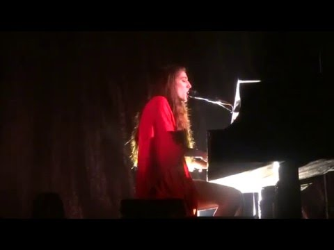 Birdy - Beautiful Lies (Live In Cologne At Live Music Hall 05.05.2016)