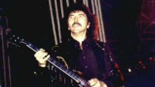 Black Sabbath - Tony Iommi Live Guitar Solo (my personal favorite)