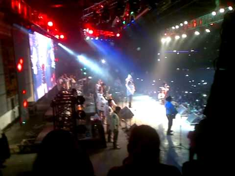 Lagrimas - Julion Alvarez Ft Dulce Maria En La Fe Music Hall 20/10/13 Videos De Viajes
