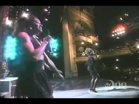 D'Atra Hicks  You Make Me Want To Give It Up Live 1989)