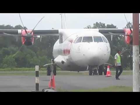 Landing pesawat boeing Trans Nusa Bandar Udara Medang kampai dumai