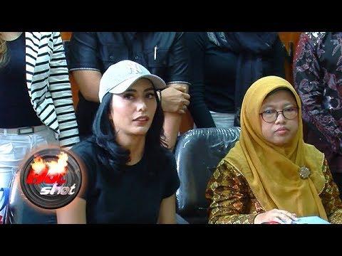 Tyas Mirasih Dilaporkan Nenek Amandine ke Polisi - Hot Shot 23 Maret 2018