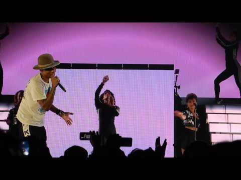"""Pharrell Williams - """"Marilyn Monroe"""" Live In Stuttgart (Dear Girl Tour)"""