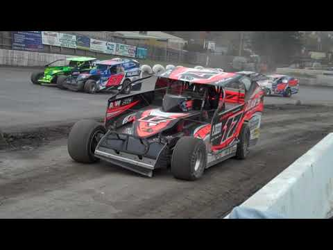 Modifieds at Middletown 2019 - Eastern States - Friday heat races. pit walkabout