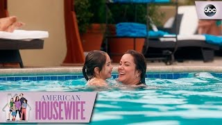 Defeating Swimsuit Insecurities - American Housewife 1x21
