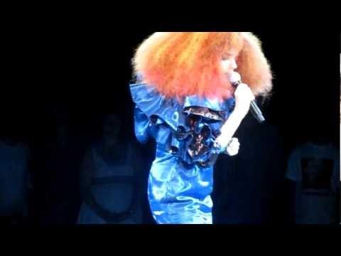 Björk  Unravel  in Manchester