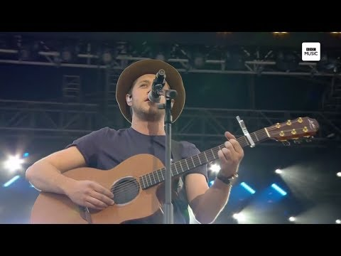 Nial Horan Live @ One Love Manchester [HD] (Slow Hands & This Town)
