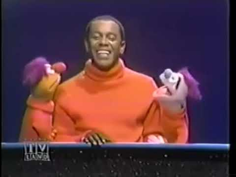Flip Wilson and the Muppets sing Consider Yourself
