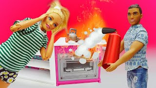 Видео скуклами Барби— Завтрак Барби испорчен! Кукла вярости! —Трудности семейной жизни