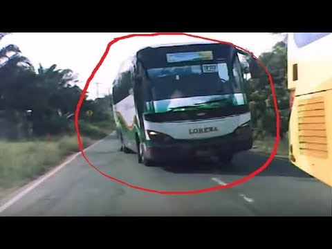 [CCTV Mobil] Bus Lorena Hampir Nabrak!!!