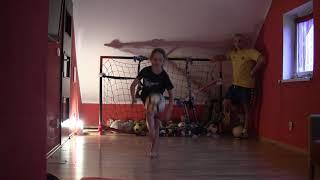 Kruszyn Arena Hall - 50 Żonglerek czy 50 Pompek-Nauka Kapkowania Prawa-Lewa -Kudełek(2011)