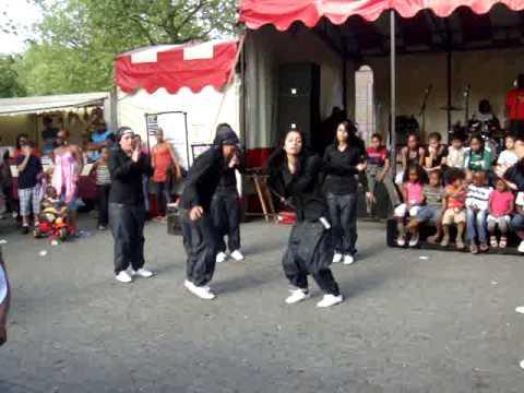 Turkish girls dance in Rotterdam