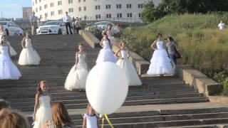 Дефиле свадебных платьев.
