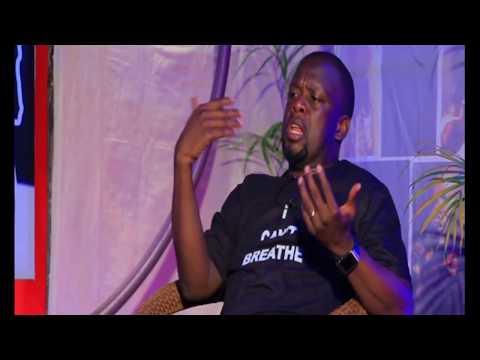 ABEY MUKIBI  Interviewing DR KIZZA BESIGYE   Akandolindoli Comedy Show 2017 HD