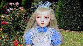 少女アリスの成長物語! 姉と二人で暮すアリスのところに懐中時計を持っ...