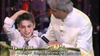 Repeat youtube video Benny Hinn - Fuego sobre jovenes