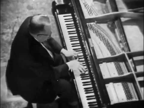 Lev Oborin plays Khachaturian Toccata - video 1967
