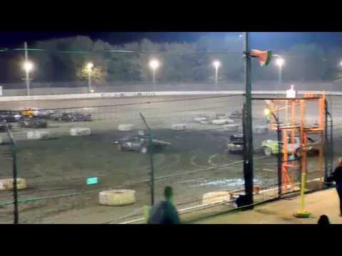 *2015 Sycamore Speedway Demolition Derby Fair Class - Final Night - Brad Ellingsworth