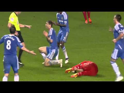 Luis Suarez humiliating David Luiz