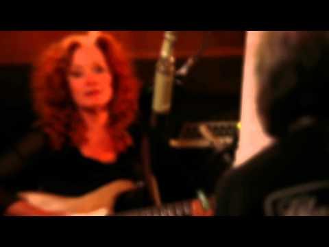 Bonnie Raitt & David Lindley: Behind the Scenes recording